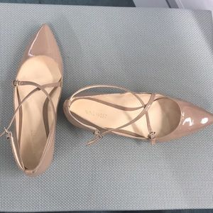 EUC neutral strappy Nine West pointed toe flats